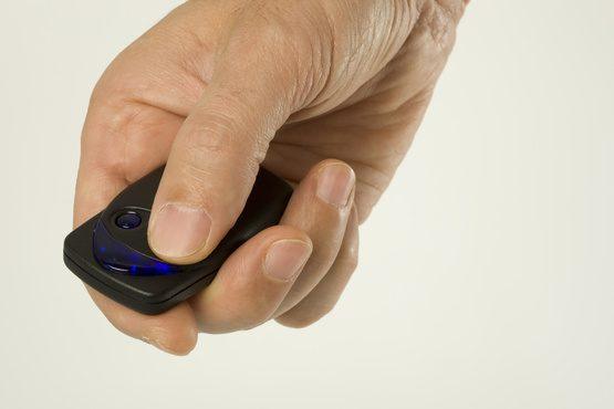 Comment programmer une télécommande de portail Avidsen ?